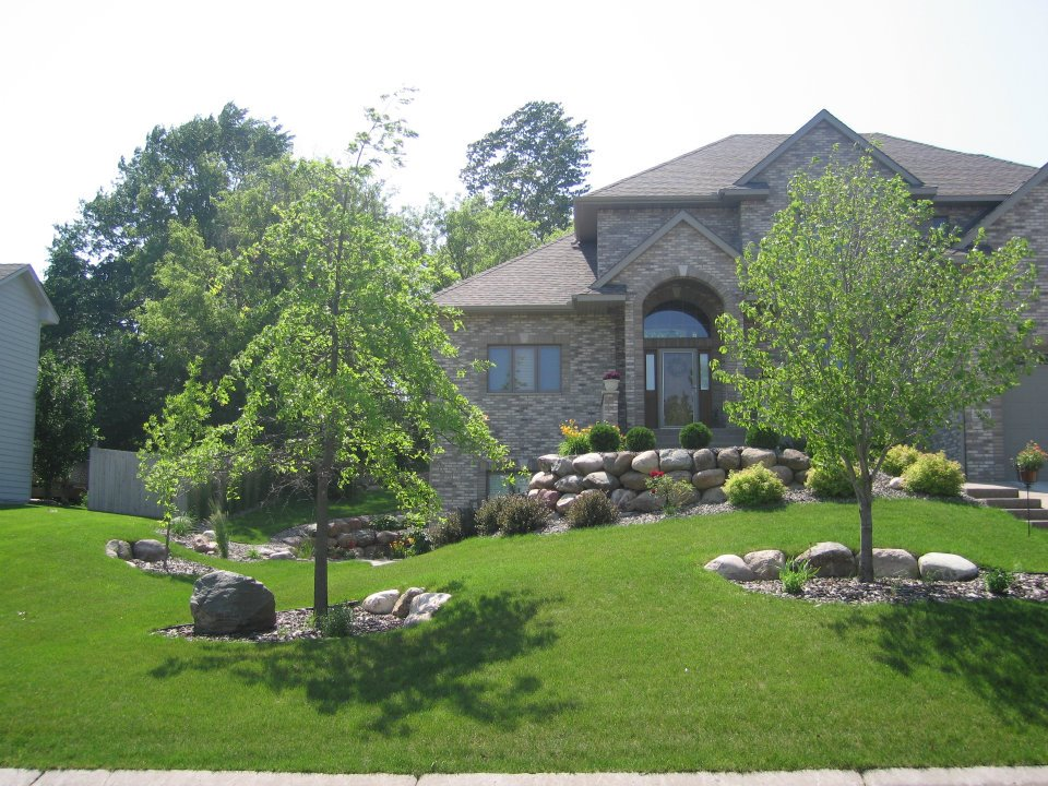 Contact Us For Landscaping or Lawn Maintenance Services in Minnesota | Commercial & Residential
